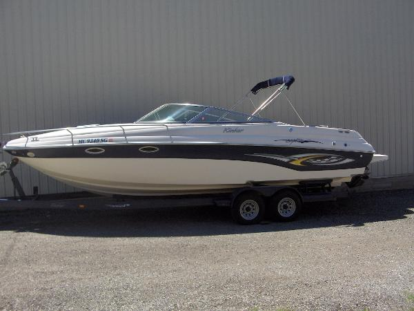 Rinker 282 Captiva Cuddy Port Side