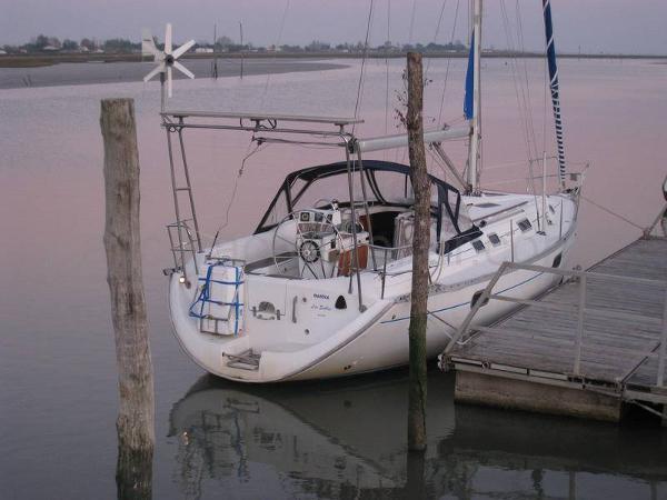Beneteau Oceanis 351 Oceanis 351 - AYC Yachtbroker
