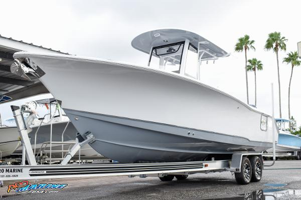 Sea Hunt GAMEFISH 27 CB