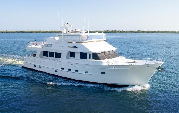 Outer Reef Yachts Raised Pilothouse