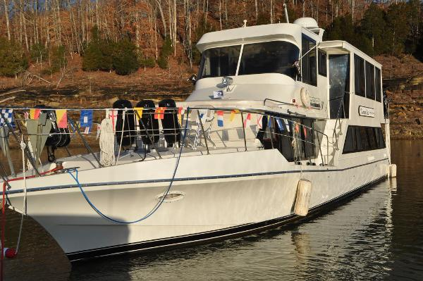 Bluewater Yachts 55