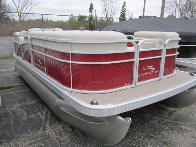 Bennington 168 SL - 8' Narrow Beam
