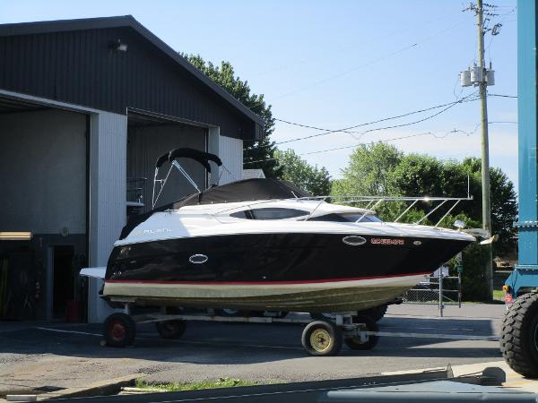 Regal 2565 Express Cruiser