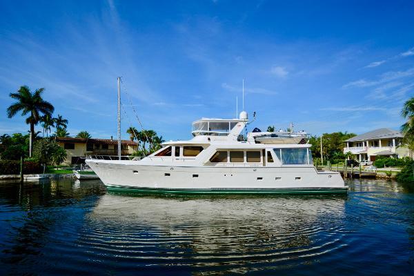 Offshore 72 Motor Yacht Main Port Profile