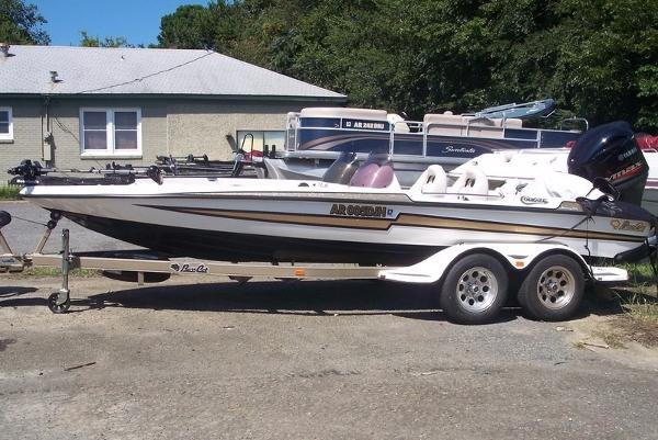 BassCat Cougar 20Ft