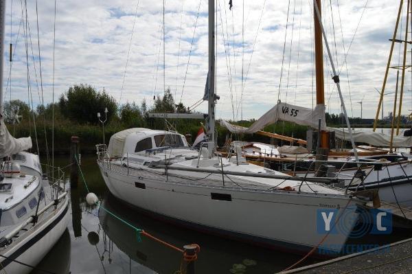 Beneteau Oceanis 390 DSC_0046.jpg