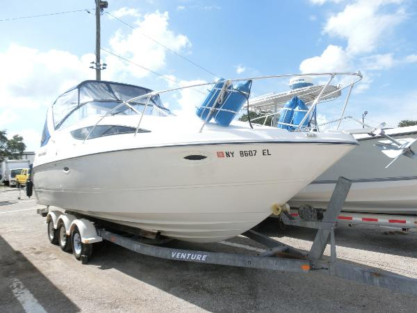Bayliner 285 Cruiser Bayliner Starboard Bow