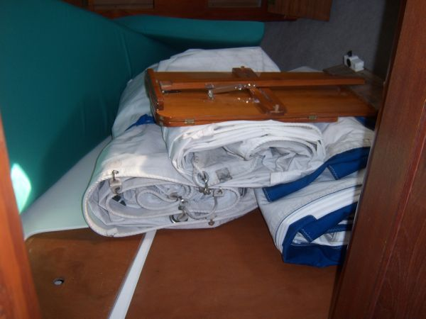 Forward Stateroom / 3 Sails