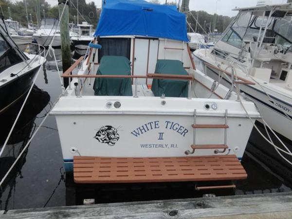 Penn Yan Flybridge Sportfisherman