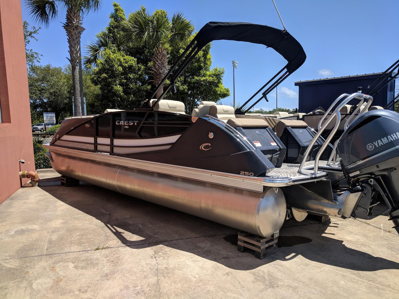 Crest Pontoon Boats 250 Savannah SLS