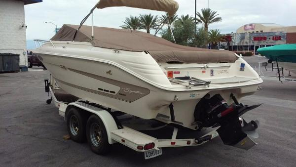 Sea Ray 230 Bow Rider Signature Series