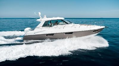 Cruisers Yachts 48 Cantius Stbd Profile