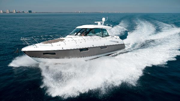 Cruisers Yachts 48 Cantius Port