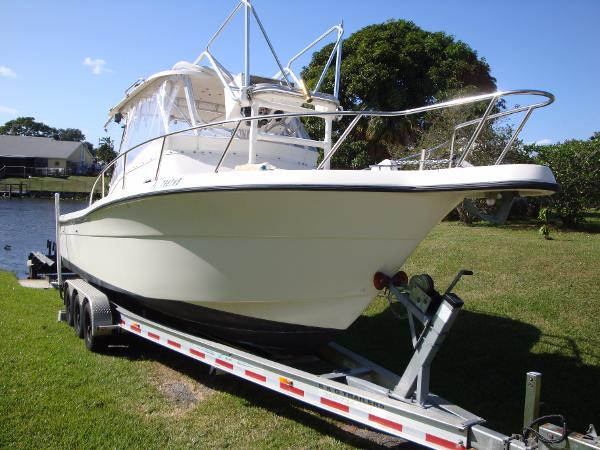 Pursuit 2870 Offshore Center Console 96 Pursuit 2870 with Trailer