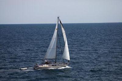 Island Packet 485 RHIANNON on her way to Block Island