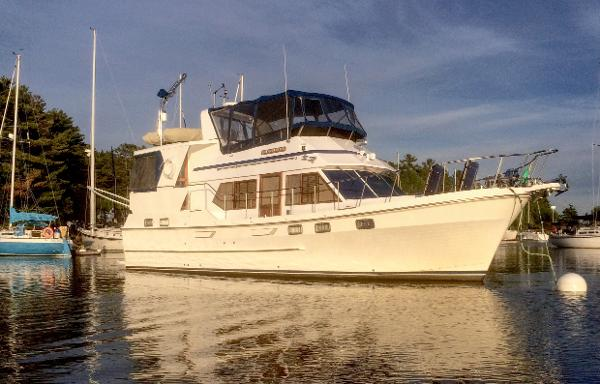 Oceania 42 Sundeck Trawler