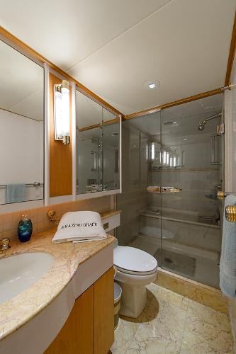 Port Aft Bath