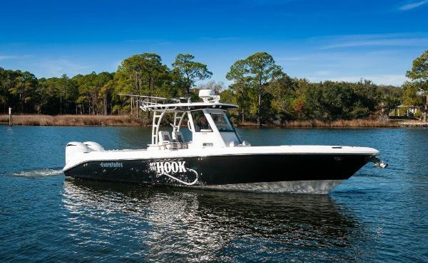 Everglades 325 CC 2015 Everglades 325CC Starboard