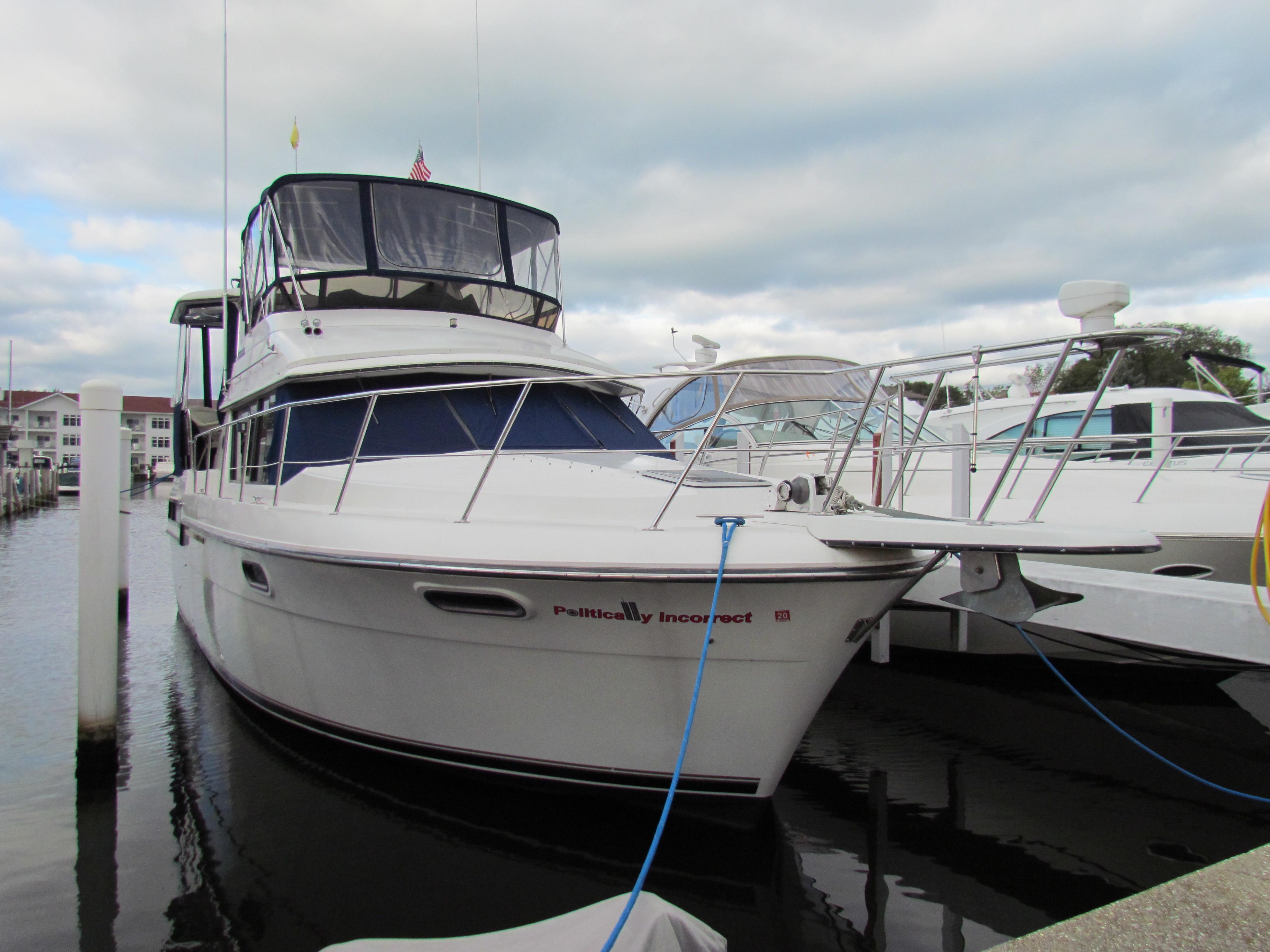 Carver 38 Aft Cabin Motor Yacht