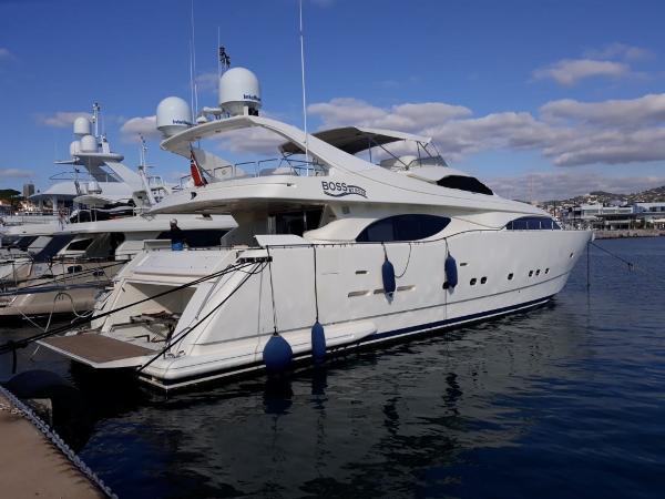 Ferretti Yachts 94 Custom Line FERRETTI YACHTS CL 94