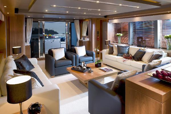 Sunseeker 115 Sport Yacht Saloon