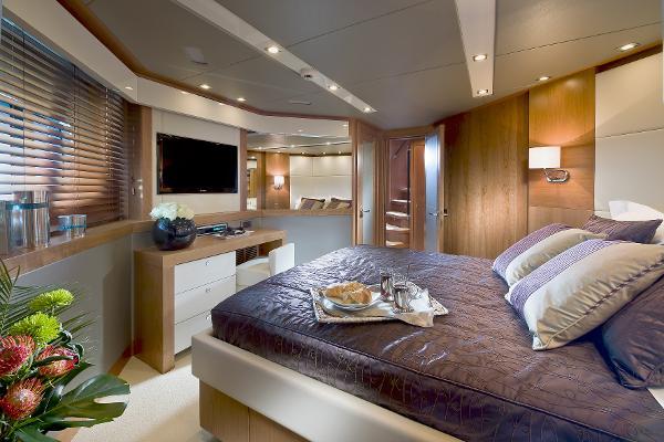 Sunseeker 115 Sport Yacht Cabin