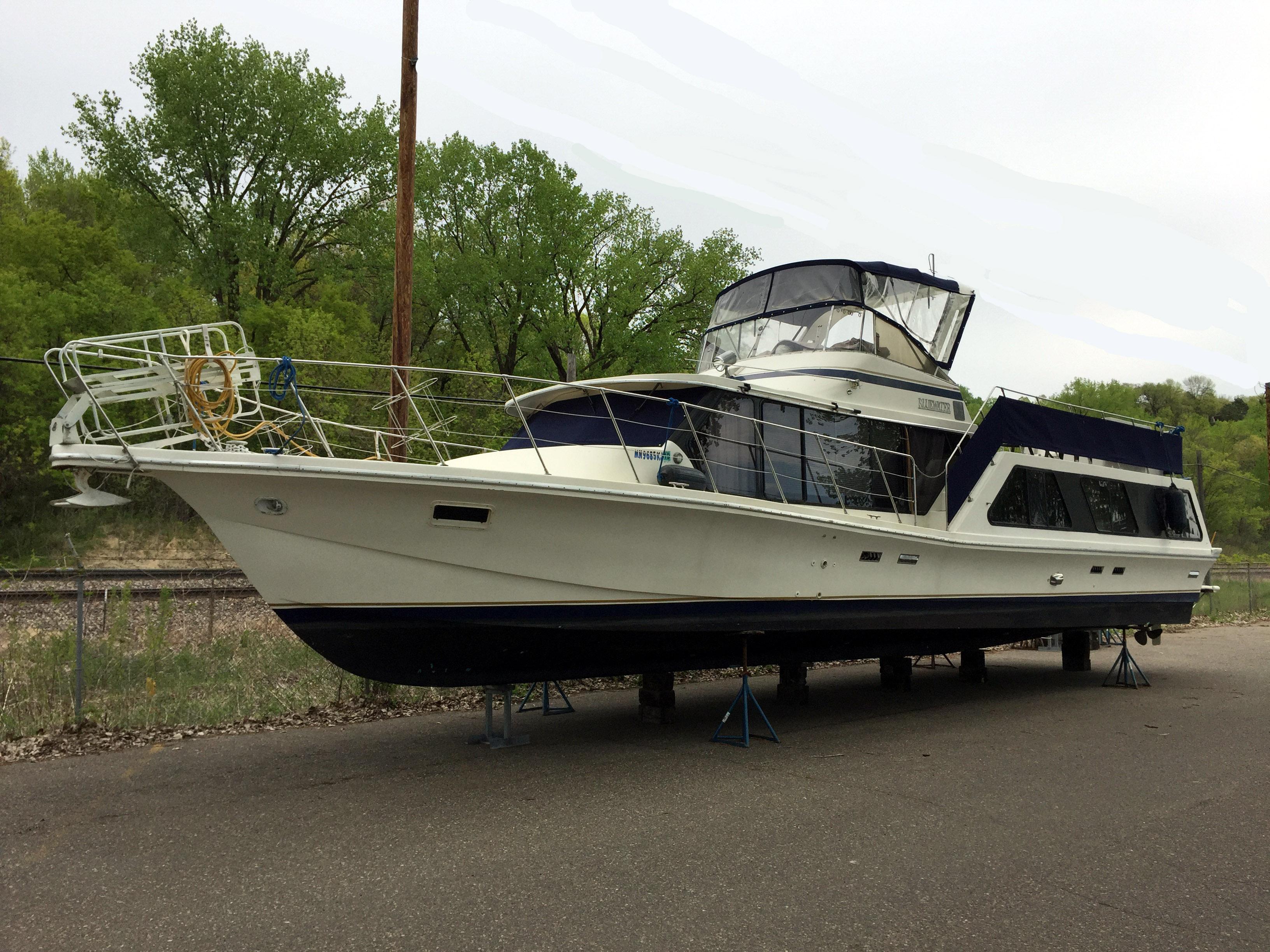 Bluewater Yachts Boatel Cruiser