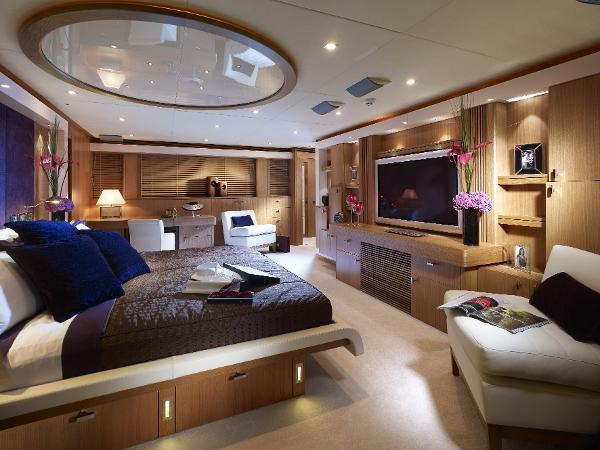 Sunseeker 130 Sport Yacht Cabin