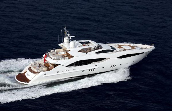 Sunseeker 130 Sport Yacht Running Shot