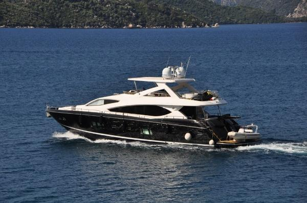 Sunseeker 88 Yacht Main