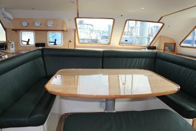 GreenCat 445 saloon with leather U-seat