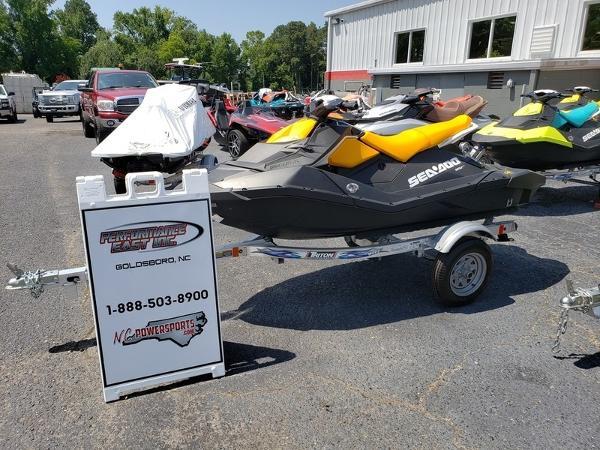 Sea-Doo SPARK® 3-up Rotax 900 HO ACE