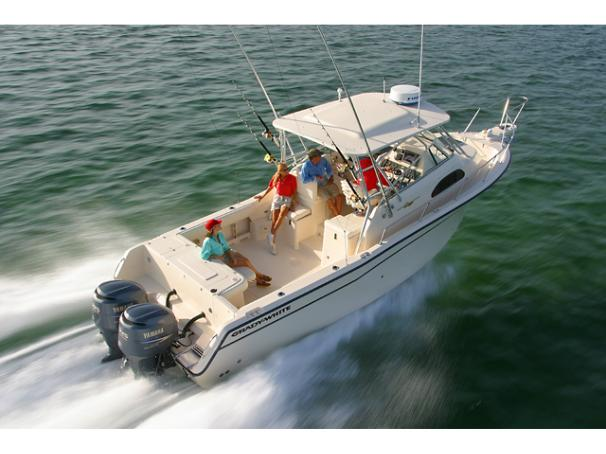 Grady-White Marlin 300 BROCHURE RUNNING SHOT
