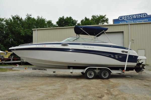 Crownline 270 BR ONLY 213 HOURS
