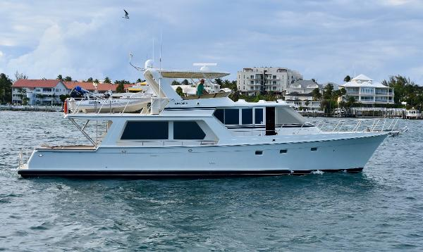 Offshore Yachts 62 Pilot House