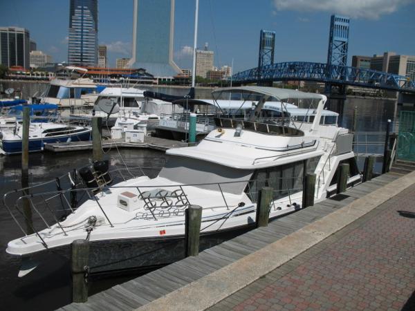 Bluewater 42 Coastal Cruiser