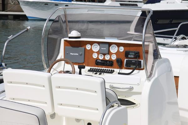 Marlin Ribs 29 Inboard Cabin Version