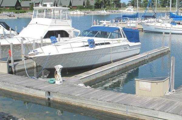Sea Ray 460 Express Cruiser w/Diesels Main