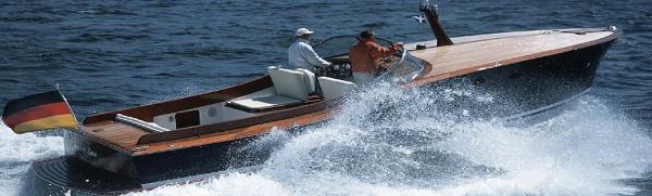Dübbel & Jesse Classic Powerboat 33´