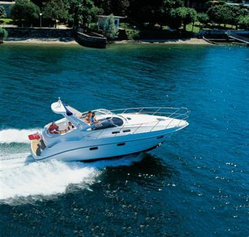Sealine S34 Manufacturer Provided Image: Running Shot