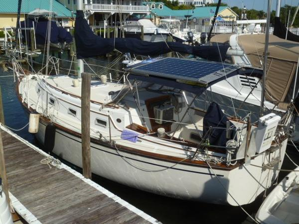Island Packet 31 Sloop 1984 Island Packet 31 Sloop