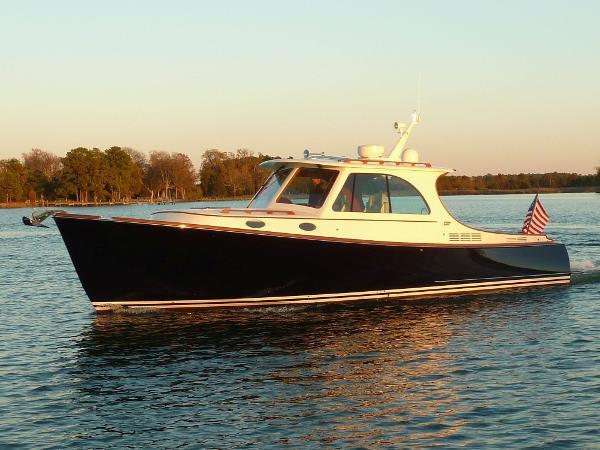 Hinckley Picnic Boat MKIII Callinectes