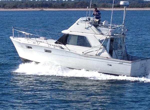 Chris-Craft 35 Commander SF