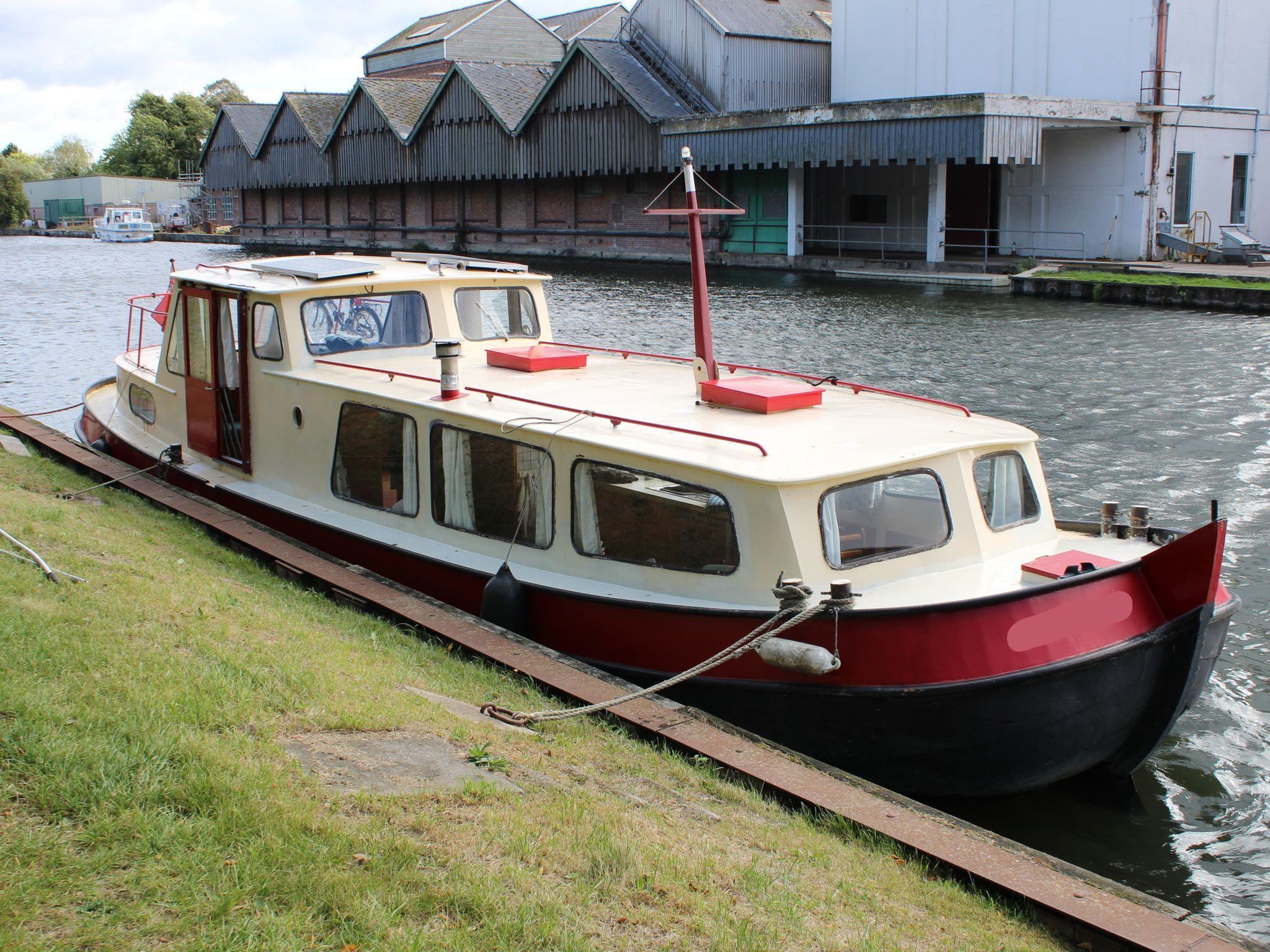 Dutch Steel Motor Cruiser 41