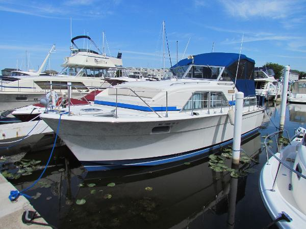 Chris-Craft 350 Catalina Port Profile