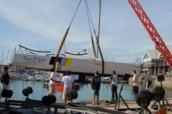 Pacer Yachts 27 Sport Being Lifted