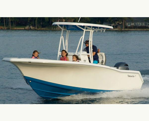 Tidewater Boats 220 CC Adventure Manufacturer Provided Image