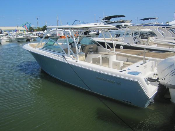 Sailfish 325 Dual Console