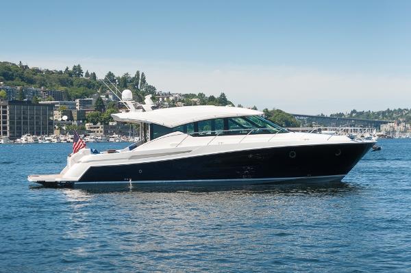 Tiara 50 Coupe Starboard shot