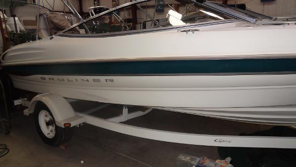Bayliner 2050 Capri DX/LX